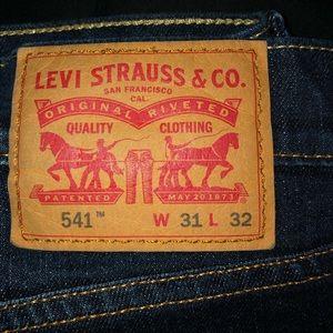 Dark blue Levi's Jeans